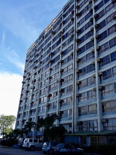 Imagen 1 de 19 de Apartamento En Higuerote Vista Al Mar. Edificio Muy Bien Conservado. Piso Medio. Salida A La Playa. Vigilancia 24h. Buena Oportunidad. Muy Cerca De Todo!!