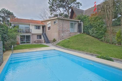 Casa En Venta - Playa Mansa- Ref: 38097