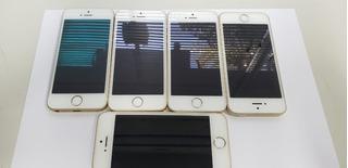 Lote De 5 iPhone SE Dourado 16gb E 32gb Usado.