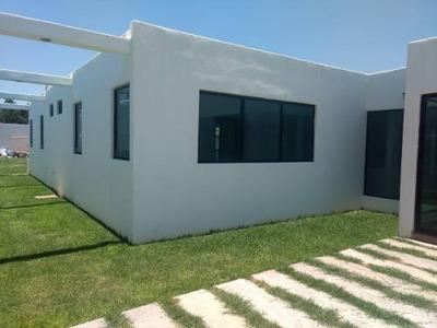 Casa Campestre En Venta En Real Del Potosi Residencia.
