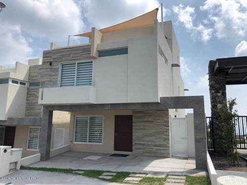 Casa En Venta En Zibata, El Marques, Rah-mx-20-729