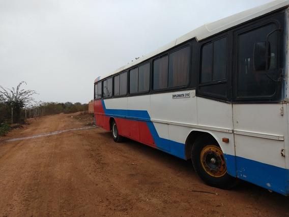Busscar Diplomata 310