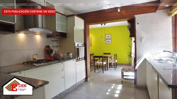 Casa De 4 Dormitorios   Cochera   Comodín   Quincho   Jardin