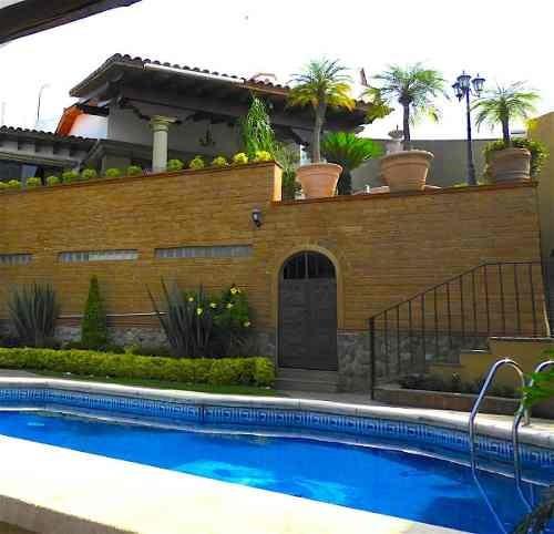 Venta De Casa En Fracc. Con Seguridad, Lomas De Atzingo, Cuernavacaclave 2503