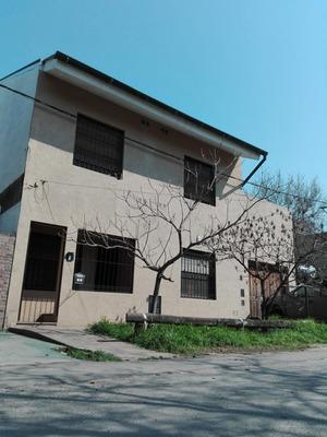 Casa 3 Dormitorios Patio Y Pileta En Zona Fisherton