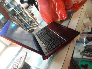 Laptop Toshiba Vostro Con 4 De Ram 250 De Disco Ddr3 Prcesad