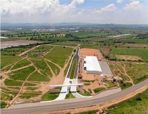 Aeropuerto Qro. Nave 3,740 M2, Parque Industrial Vigil. 24/7