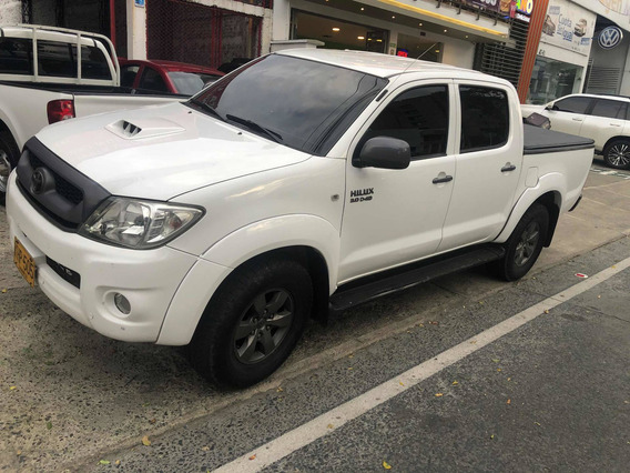 Toyota Hilux Diésel 4x4 Dob Cabin