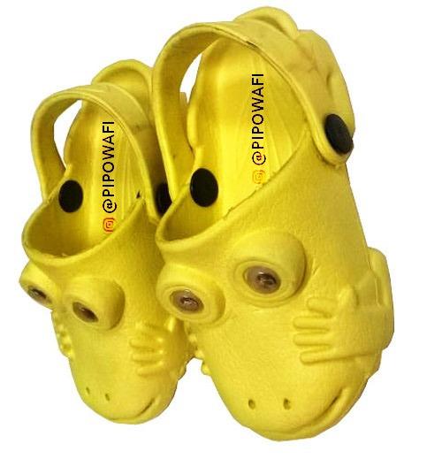 Sueco Zapito Crox Iguana Talla 28 Amarillo S4