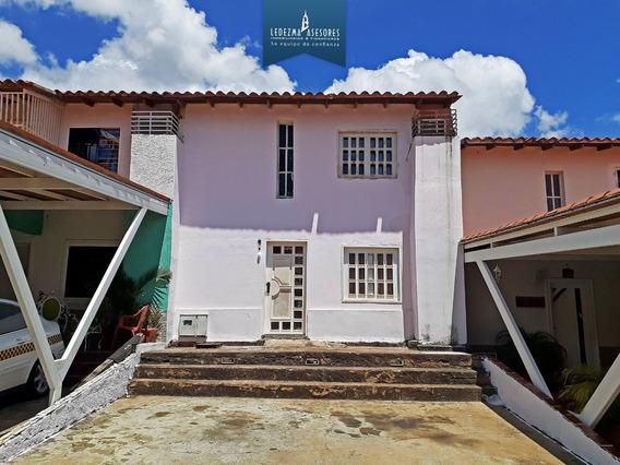 Townhouse En Isla Dorada