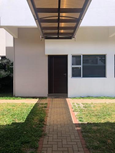Vendo Apartamento, Patio Privado, Primera Planta, Heredia