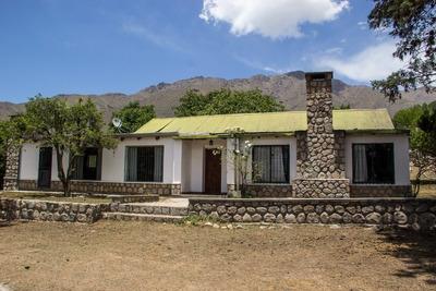 Casa De 6 Ambientes, 3 Baños, Cocina Comedor, Asador