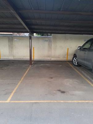 Arriendo 2 Estacionamientos Techados - El Golf - Las Condes