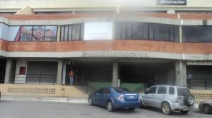 Junior Alvarado Ofrece Local En Alquiler