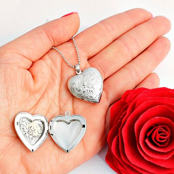 Colar Relicário Coração Com Flor Prateado Médio