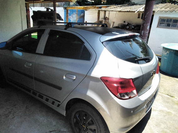 Chevrolet Onix Lt 1.0 5 Portas Cor Prata Ano 2014