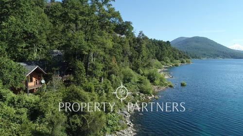 Imagen 1 de 24 de Preciosa Casa Campestre A Orillas Del Lago Caburga.