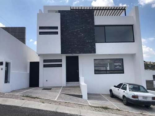 Preciosa Casa En Punta Esmeralda, Roof Garden, 3 Recamaras, 3 Autos, De Lujo !!