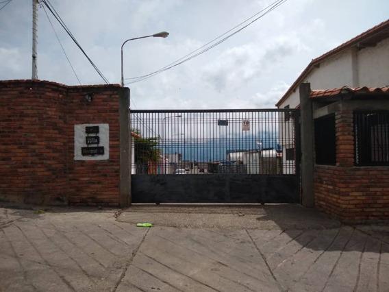 En Venta Hermosa Casa En Caneyes, Urbanización Villa Hermosa