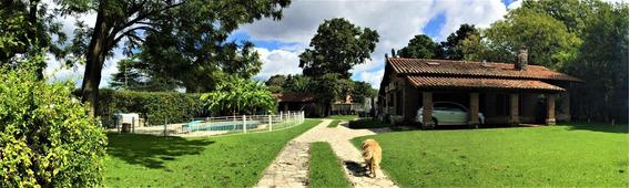 Quinta En Zona Residencial Muy Requerida