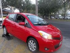 Toyota Yaris Rojo 2014