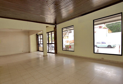 Casa Comercial En Alquiler, Obarrio (id 12161)