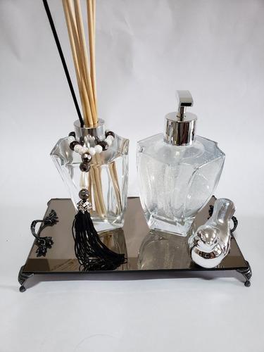 Imagem 1 de 3 de Kit Lavabo Frasco Elegance 210ml Transparente+bandeija+brind