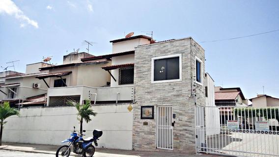 Casa Em Condomínio - 4 Quartos, Garagem, Piscina, Dce