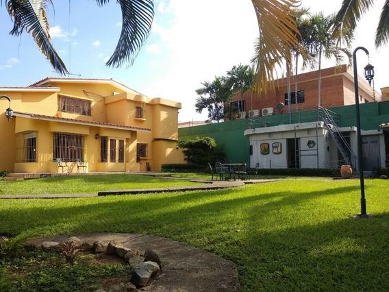 En Venta Casa En Valles De Camoruco