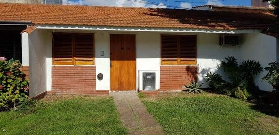 Casa De 3 Ambientes 2 Habitaciones Y 2 Baños
