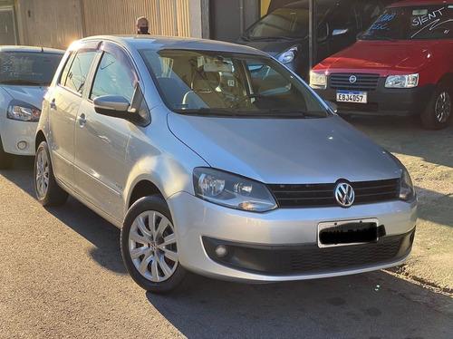 Imagem 1 de 7 de Volkswagen Fox 1.6 Mi 8v 2012