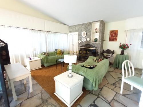 Casa En Playa Mansa 3 Dormitorios - Ref: 4630