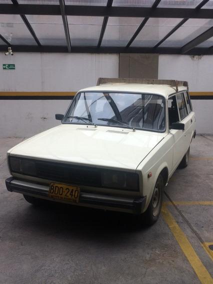 Vendo Camioneta Lada 2104 1995 Reparada