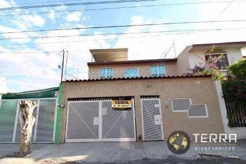 Venta Casa De 3 Plantas Zona De Oro Celaya Gto