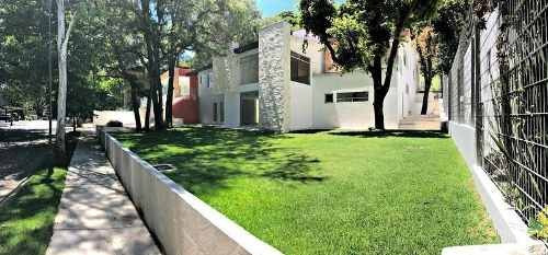 Residencia En Club De Golf Valle Escondido.