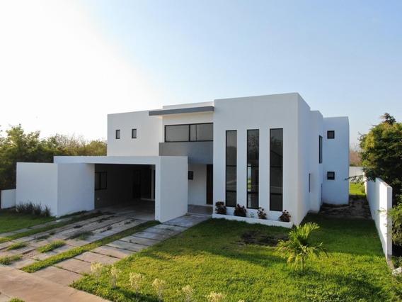 Hermosa Casa En Venta O Renta En Privada Phula