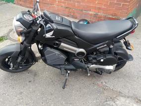 Moto Honda Navi