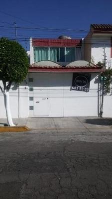 Se Renta Casa Con Excelente Ubicación En Zona Prados Agua Azul