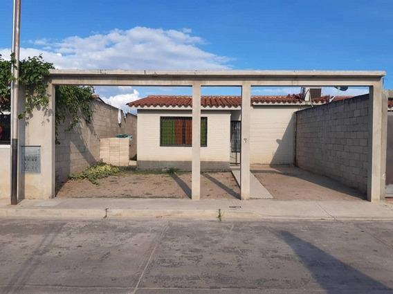 Casa En Venta En Villas Del Centro, San Joaquín, 20-50002