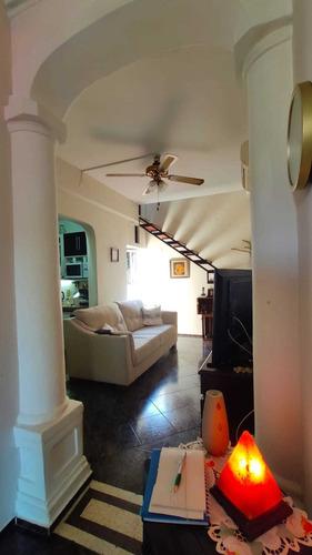 Venta Casa 2 Dormitorios, Patio Y Cochera