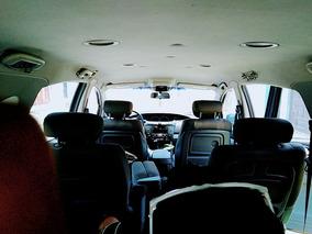 Ssangyong Stavic 4x2 Van Familiar