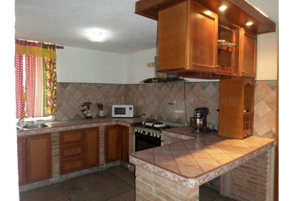 Apartamento En Venta La Mora Cabudare 21-4697 Mf