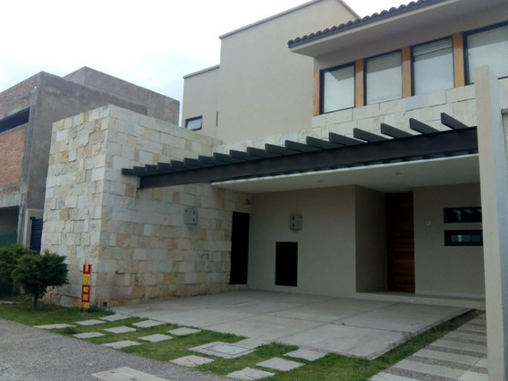 Hermosa Casa En Venta Con Excelentes Acabados