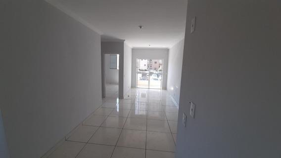 Apartamento 2 Quartos 2 Banheiros 1 Suíte