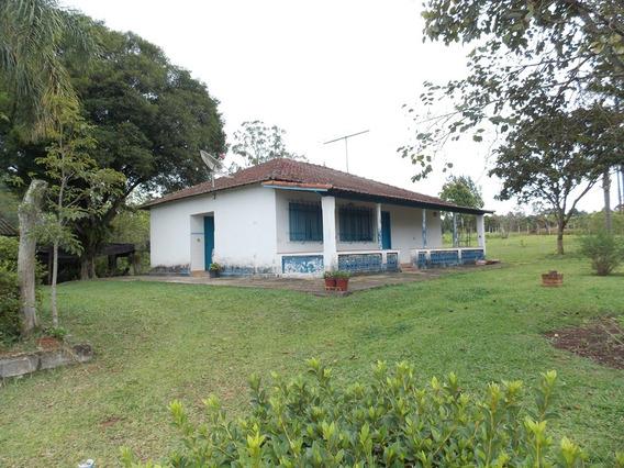 Cod.: 183 Bela Chácara Com Duas Casas