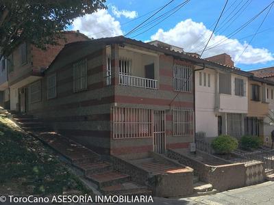 Casa En Lopez De Mesa Robledo (3 Apartamentos)