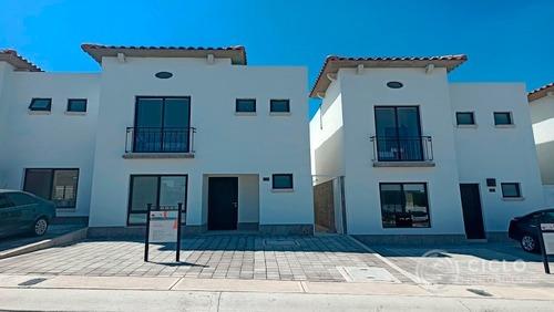 Casa En Querétaro 3 Recamaras Con Alberca