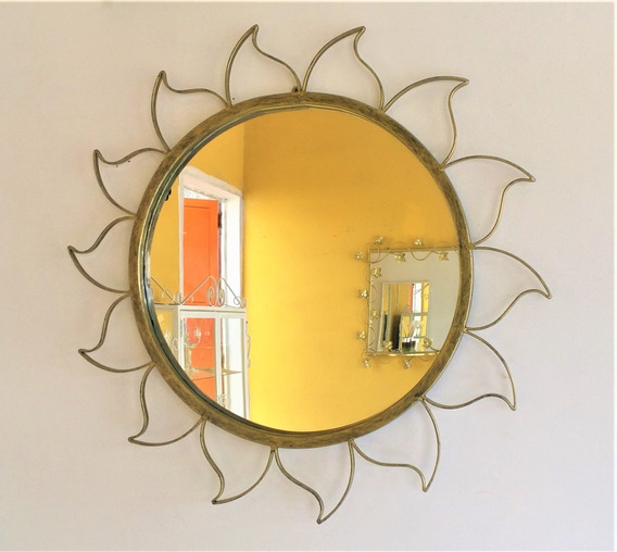 Moldura Sol Em Ferro Ouro Velho Com Espelho 65x65 Cm