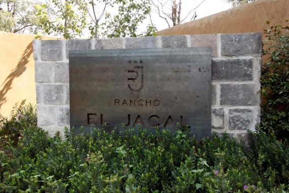 Terreno En Venta En Valle De Bravo, Valle De Bravo, Rah-mx-20-3598