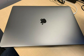 Macbook Pro Touchbar 15 Gris Espacio 2018 2.2ghz I7 16gb